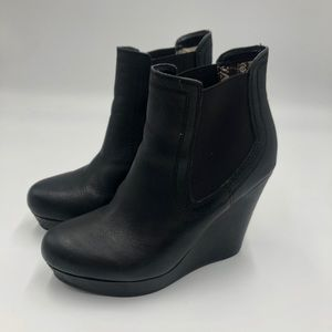 Seychelles black leather wedge boots size 8